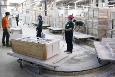 16 doanh nghiệp gỗ ở Bình Dương cùng ký thỏa ước lao động tập thể