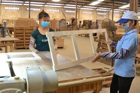Xuất khẩu gỗ 4 tháng đầu năm hoàn thành hơn 28% mục tiêu 2019, tương lai cẩn trọng với Trung Quốc
